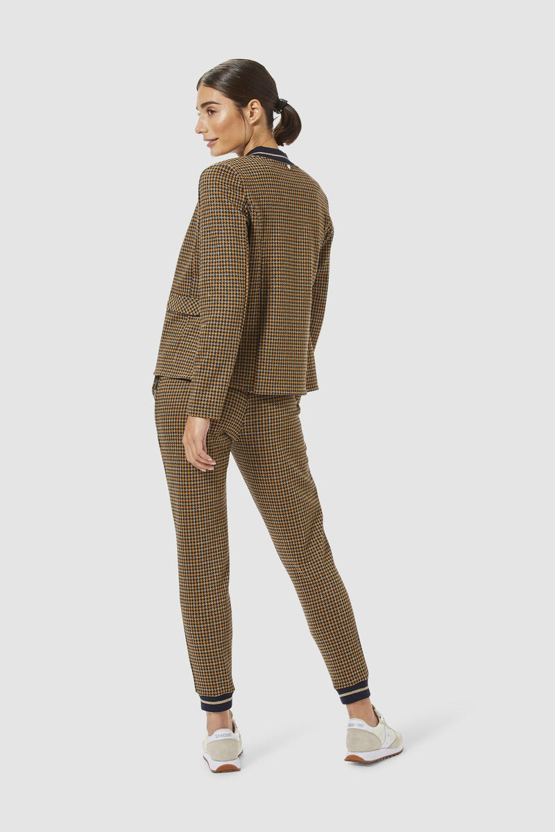 Rich & Royal - Jacquard leisure trousers - model image back