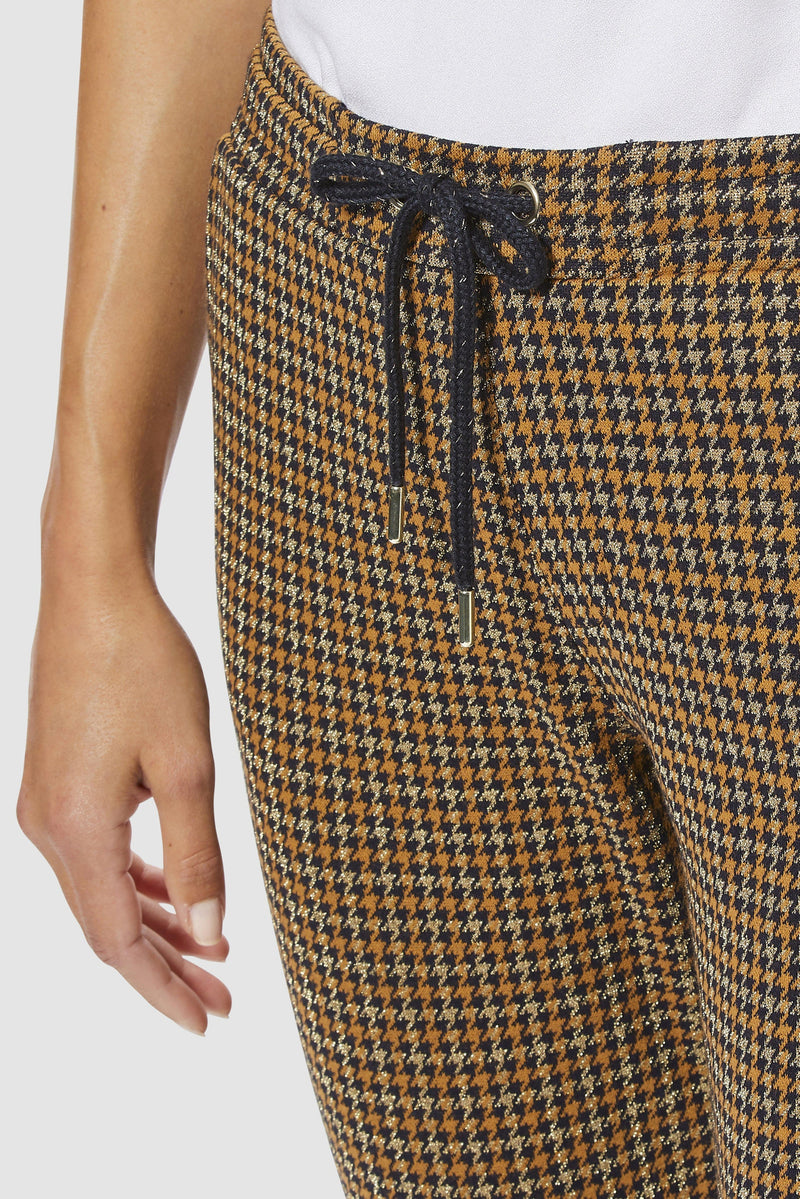 Rich & Royal - Jacquard leisure trousers - detail view