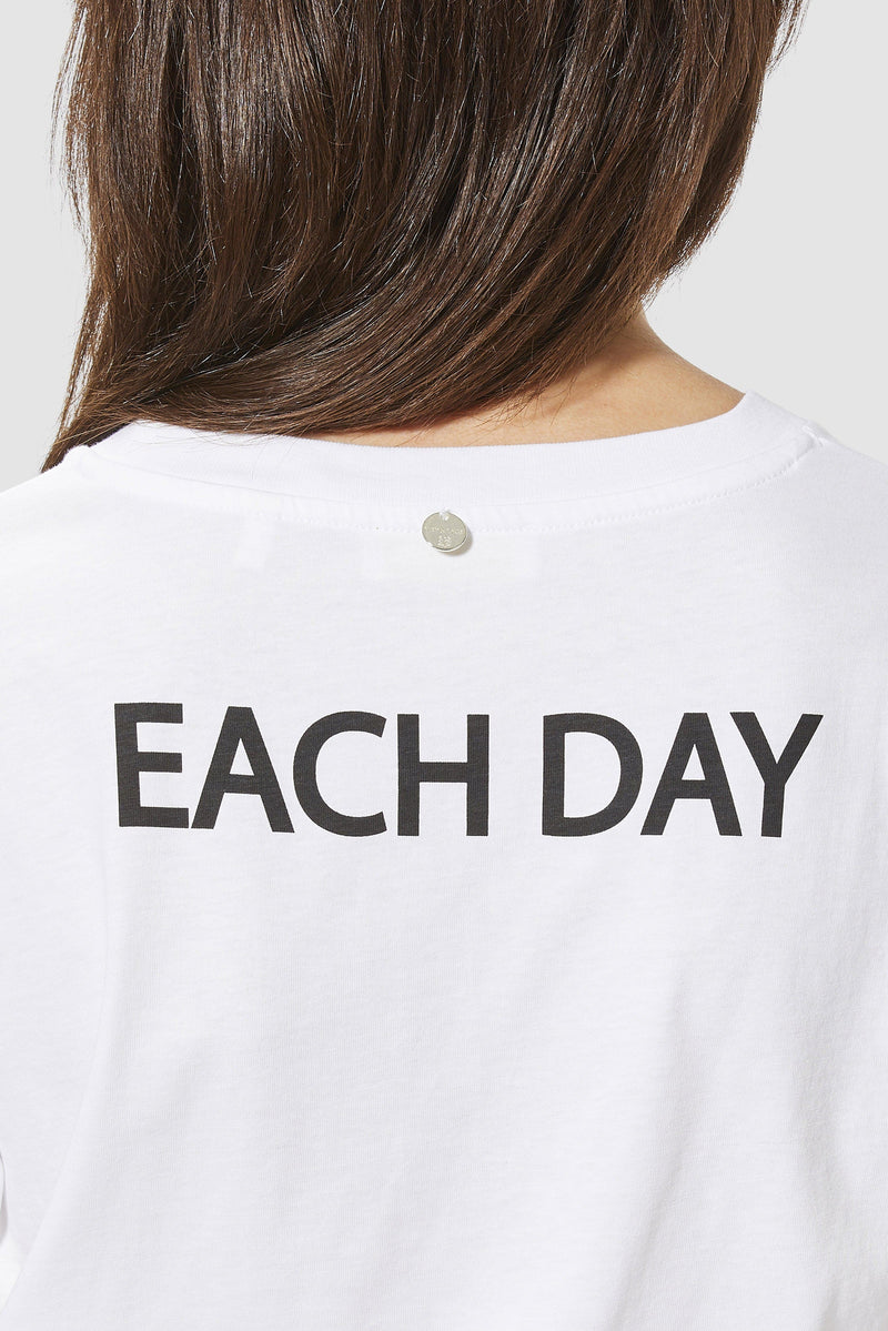 "Rich & Royal - T-shirt with ""weekend each day"" print - detail view"