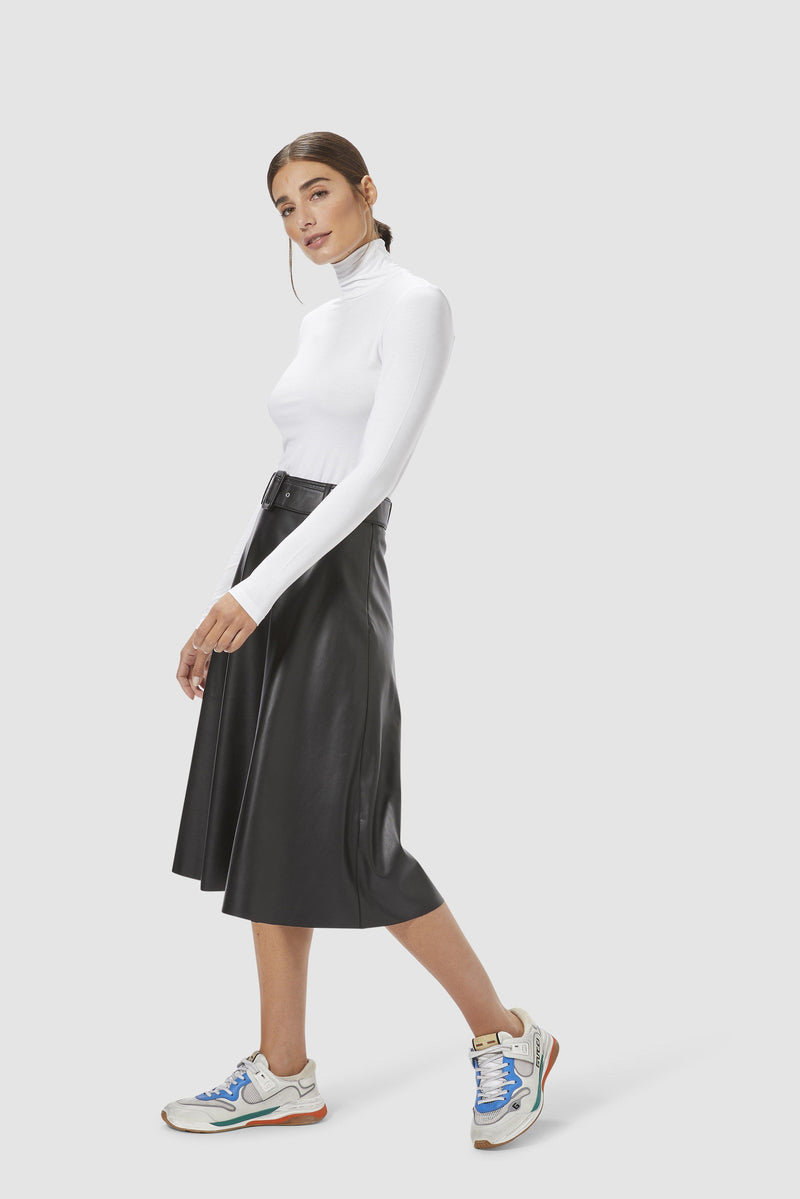 Rich & Royal - Vegan leather skirt - model image front