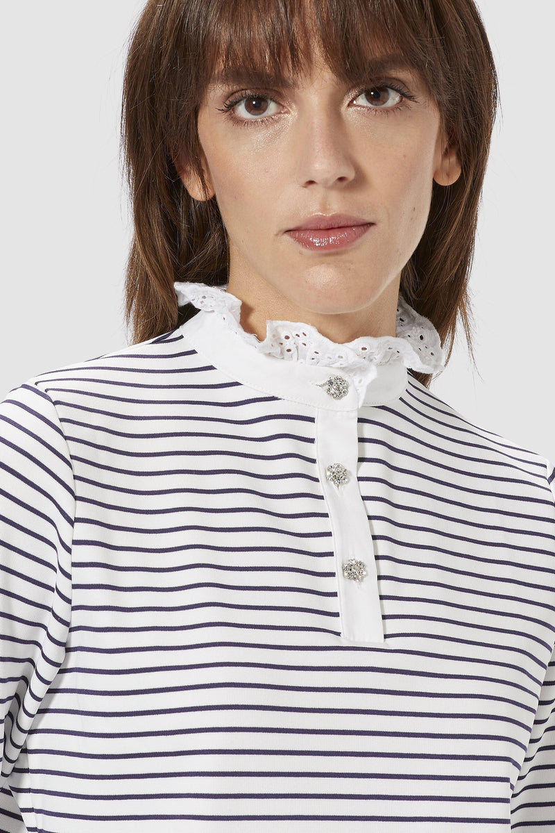 Long-sleeved top with frilled collar