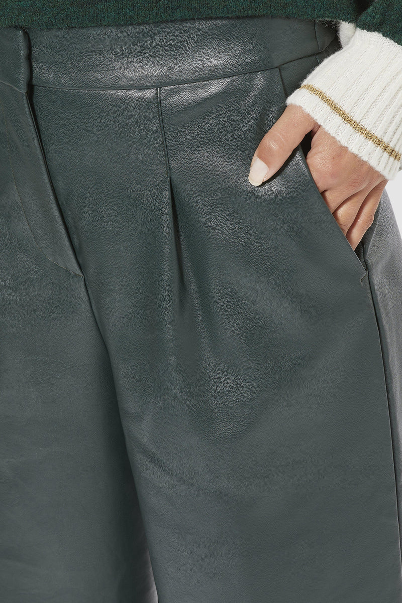 Rich & Royal - Fake leather culottes - detail view