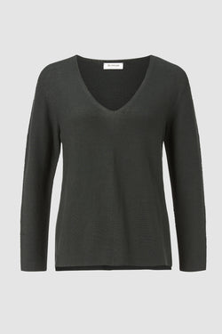 Rich & Royal - V-neck knitted jumper - bust