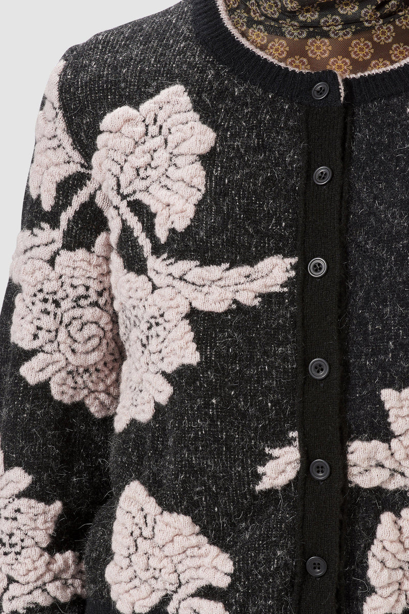 Rich & Royal - Cardigan with floral details - detail view