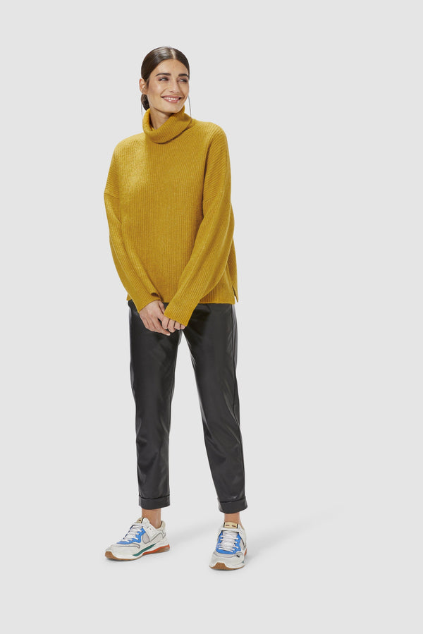 Rich & Royal - Roll neck sweater - Model image front
