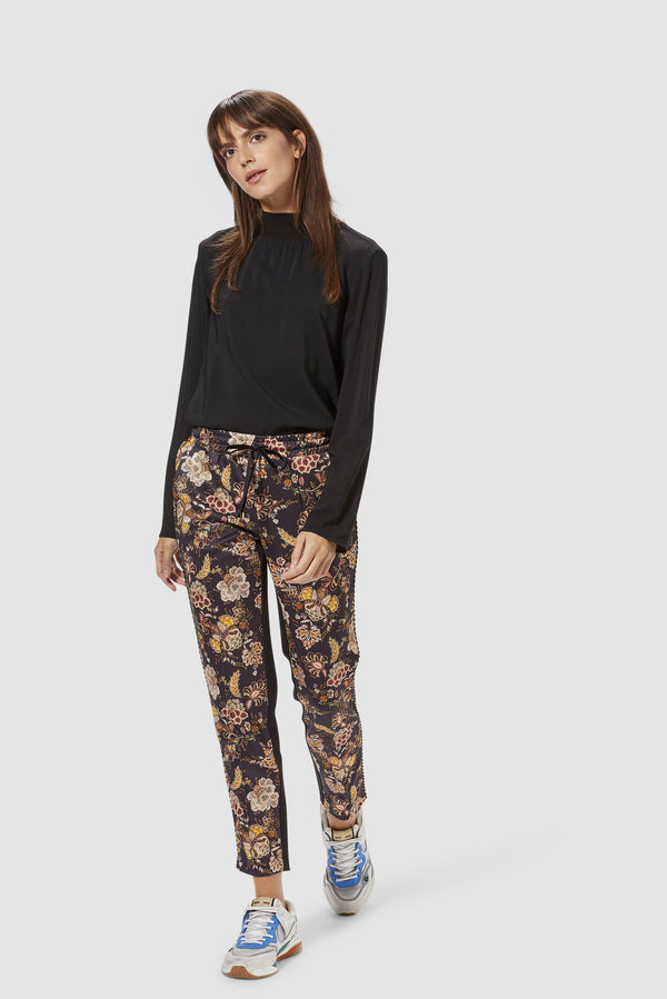 Rich & Royal - Printed scuba trousers - model image front