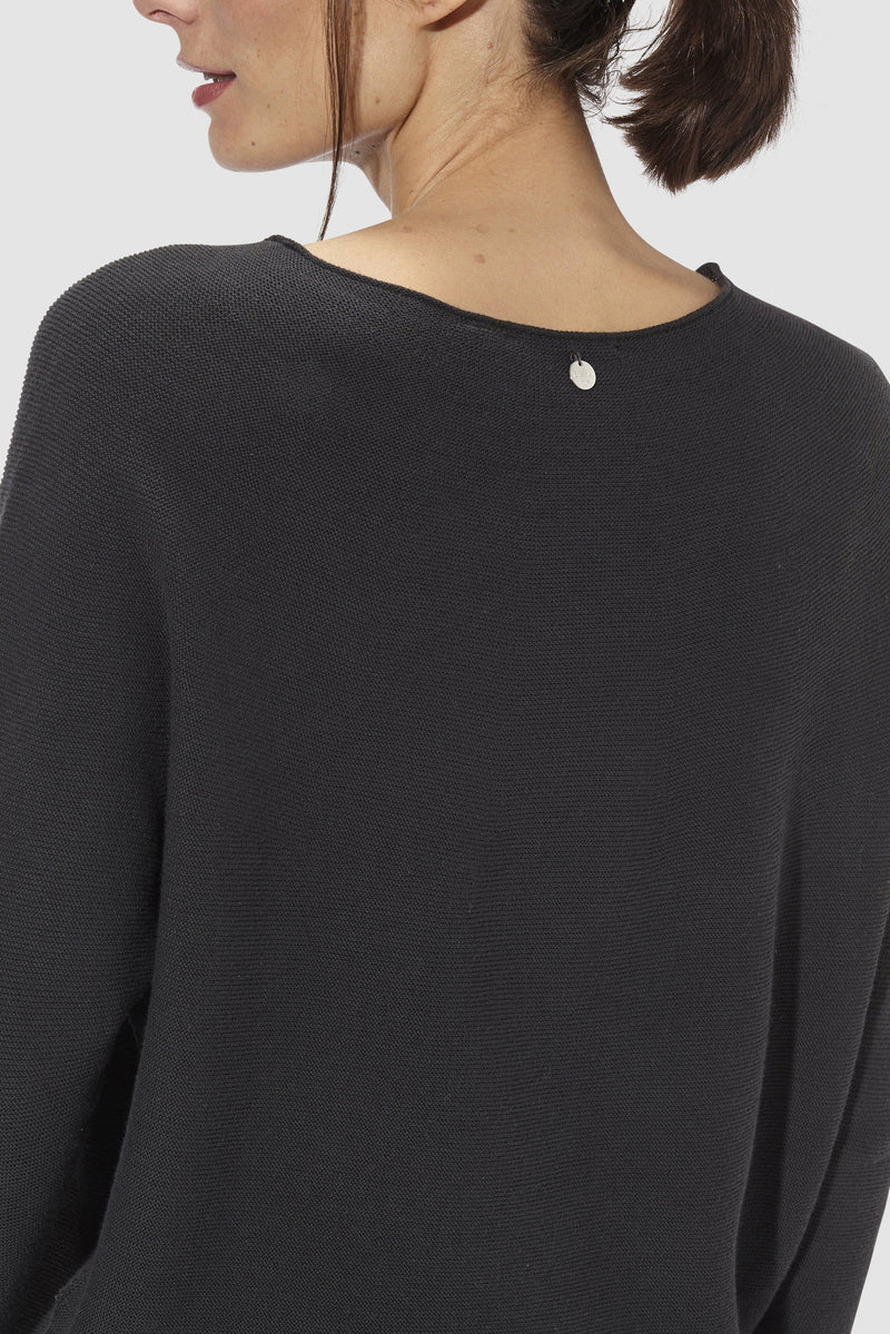 Rich & Royal - Round neck jumper in fine knit - detail view