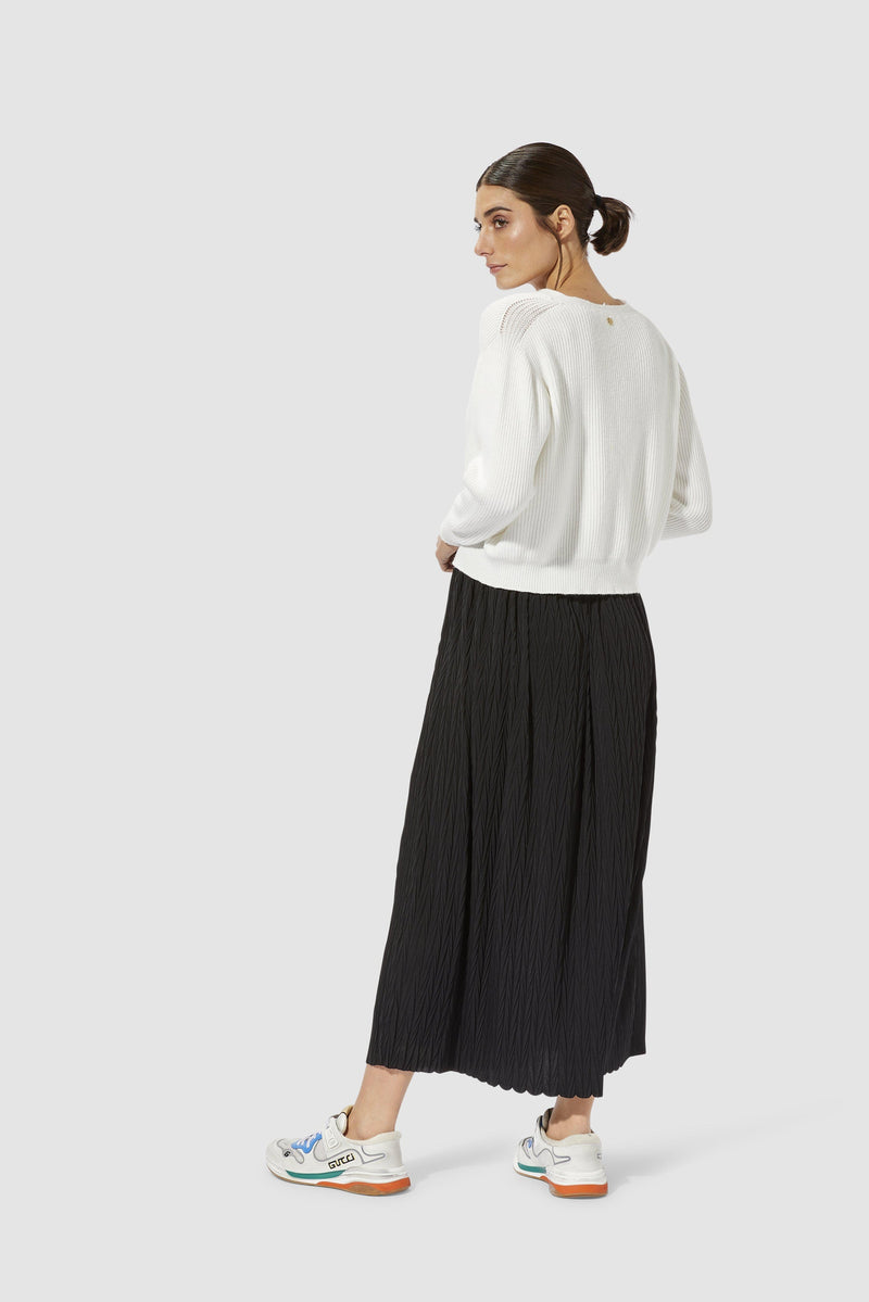 Rich & Royal - Pleated skirt with herringbone structure - model image back