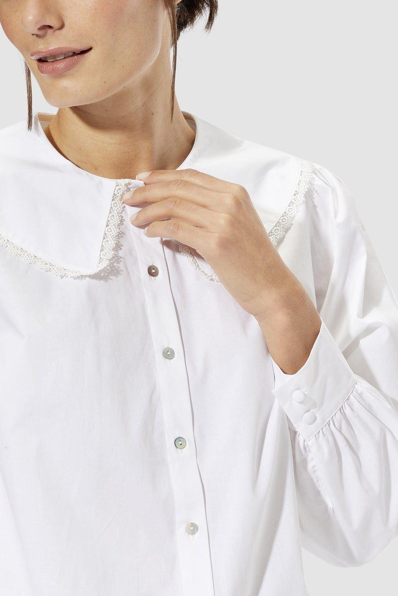 Rich & Royal - Blouse with large collar - detail view