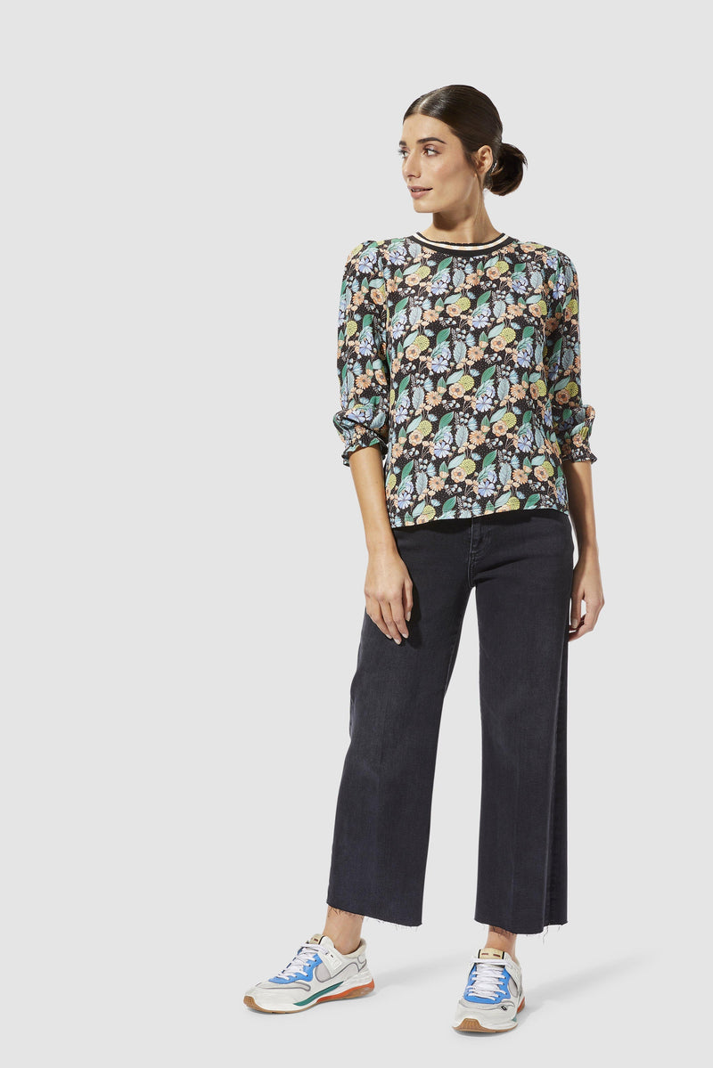 Rich & Royal - Long-sleeved top with floral print - model image front