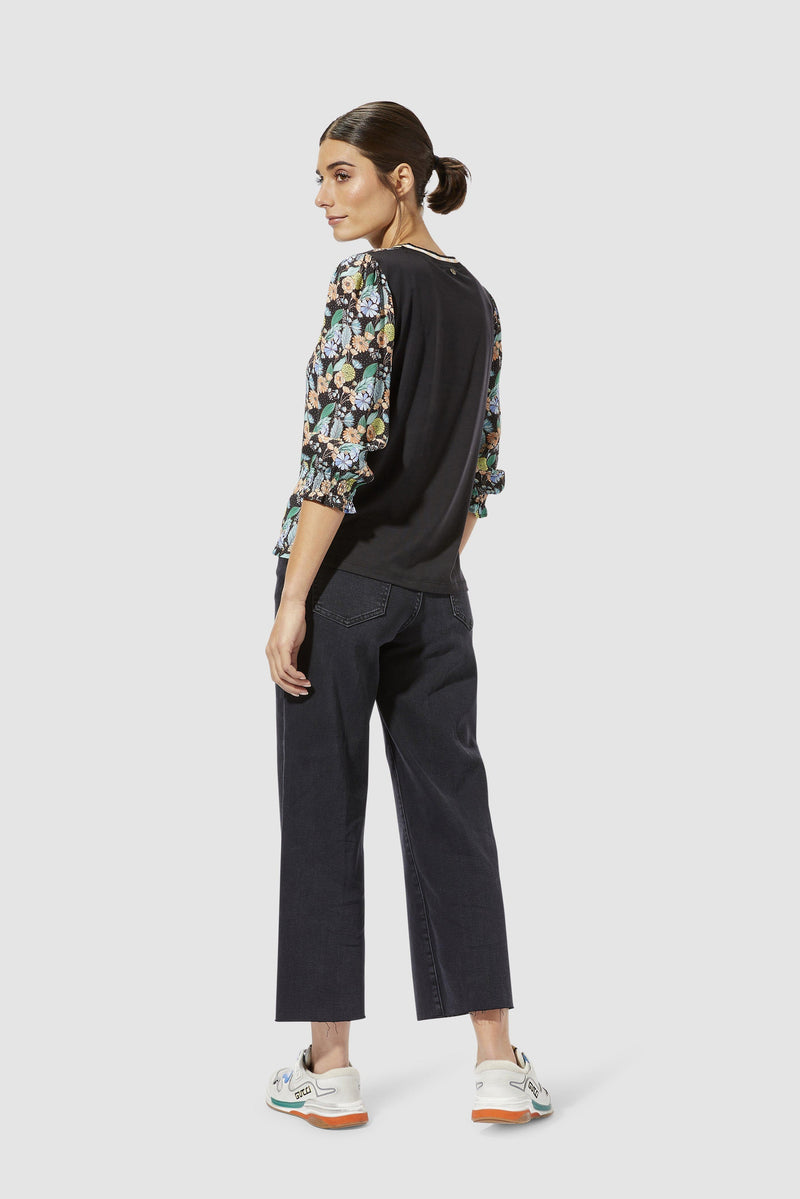 Rich & Royal - Long-sleeved top with floral print - model image back