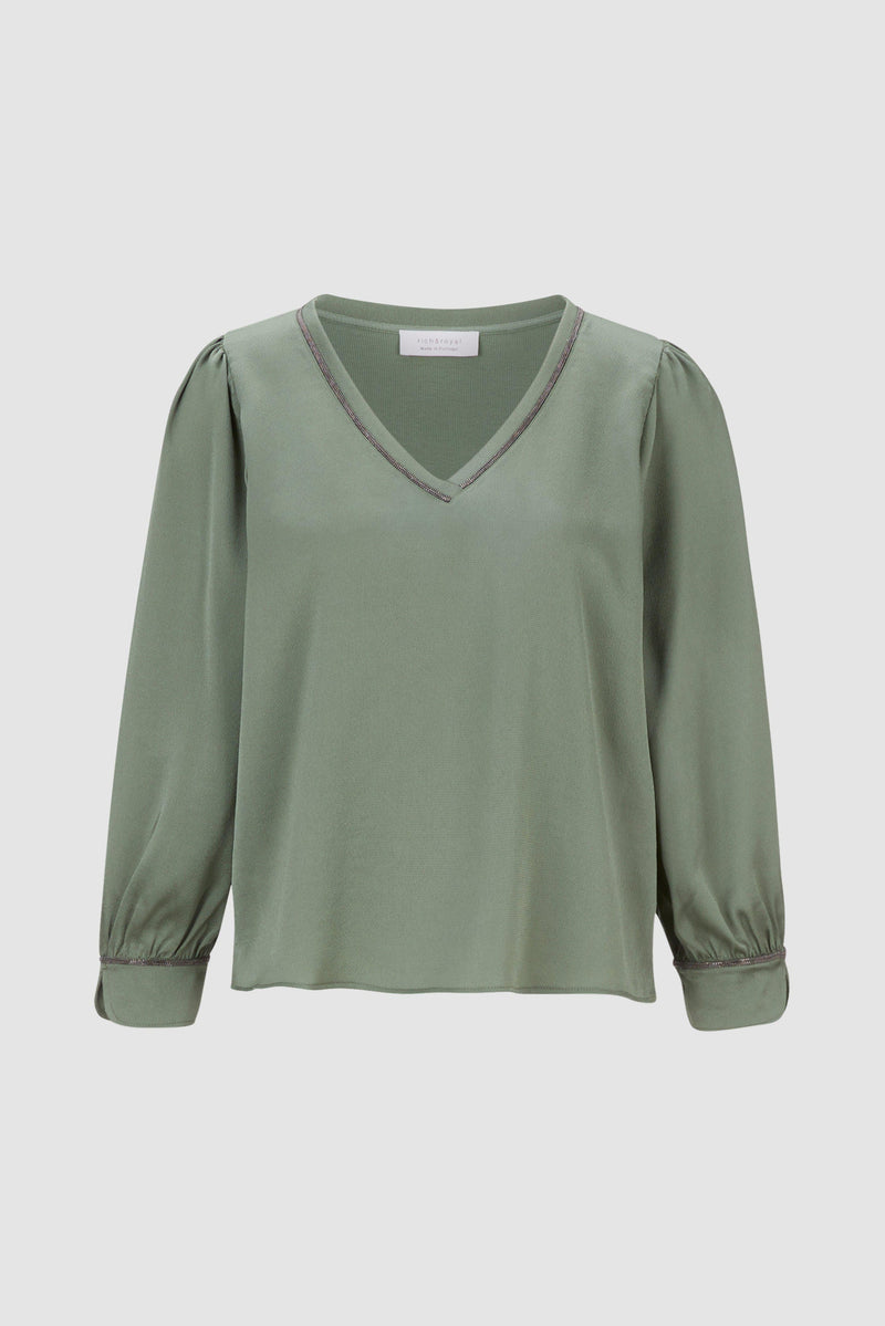 Rich & Royal - Crêpe V-neck blouse - bust