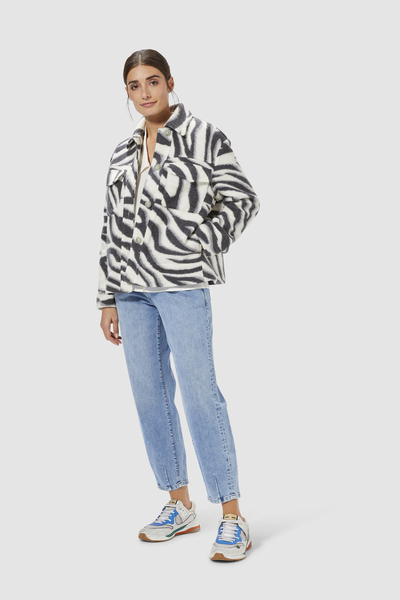 Rich & Royal - Shacket in zebra look - model image front