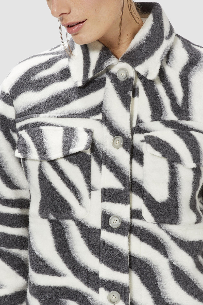 Rich & Royal - Shacket in zebra look - detail view