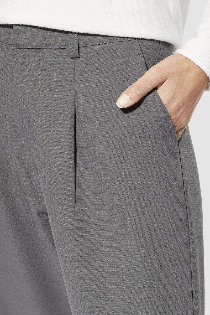 Rich & Royal - Trousers with pleats - detail view