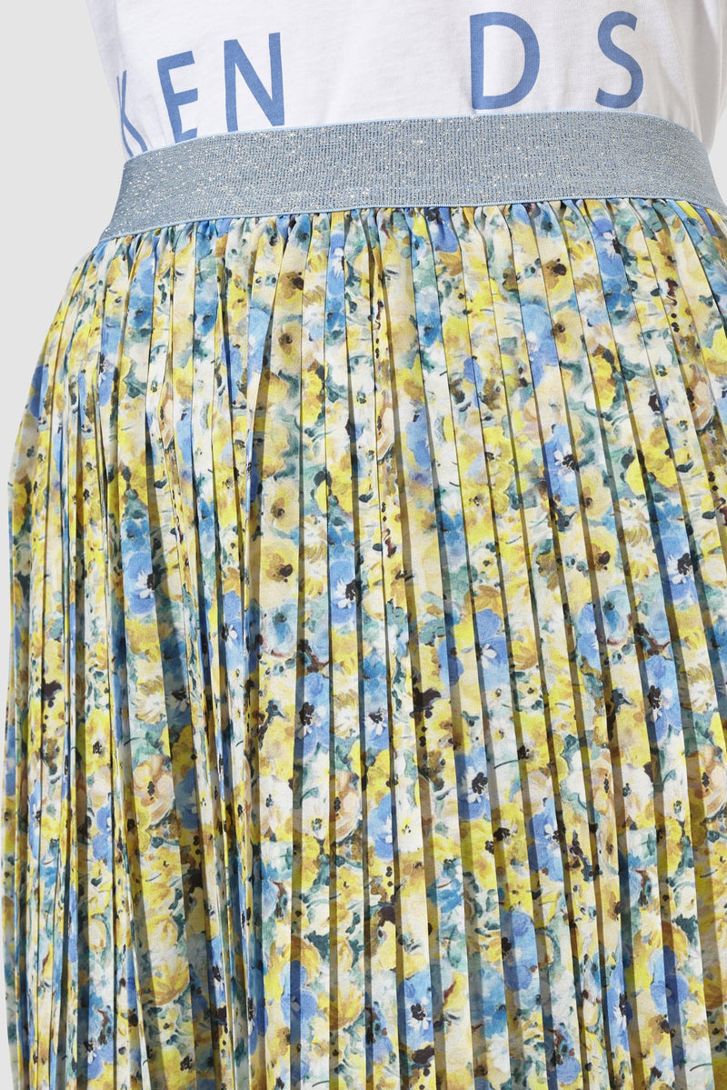Rich & Royal - Pleated skirt with floral print - detail view