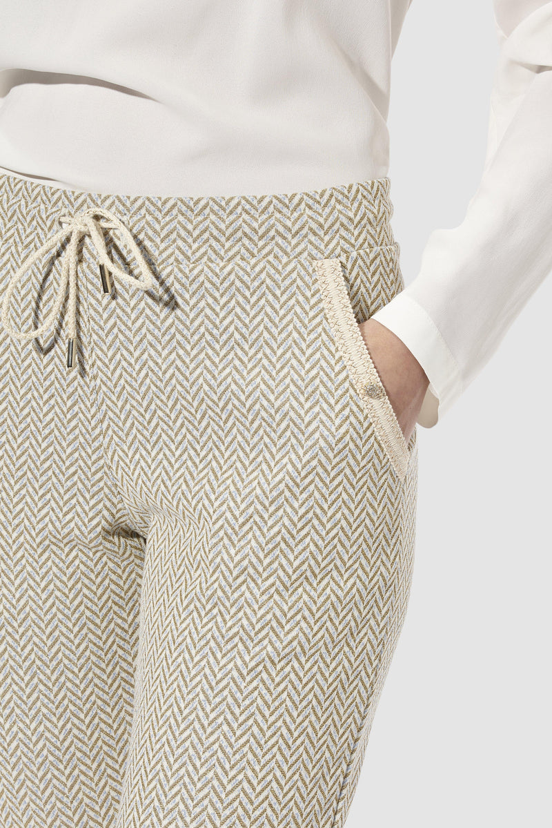 Rich & Royal -Refined jogger-style trousers in lurex jacquard - detail view