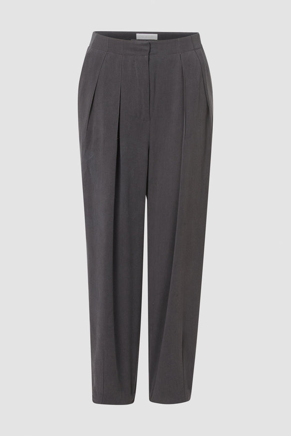 Rich & Royal - High-waisted Tencel trousers - bust