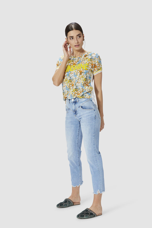 Cropped vintage jeans in relaxed style