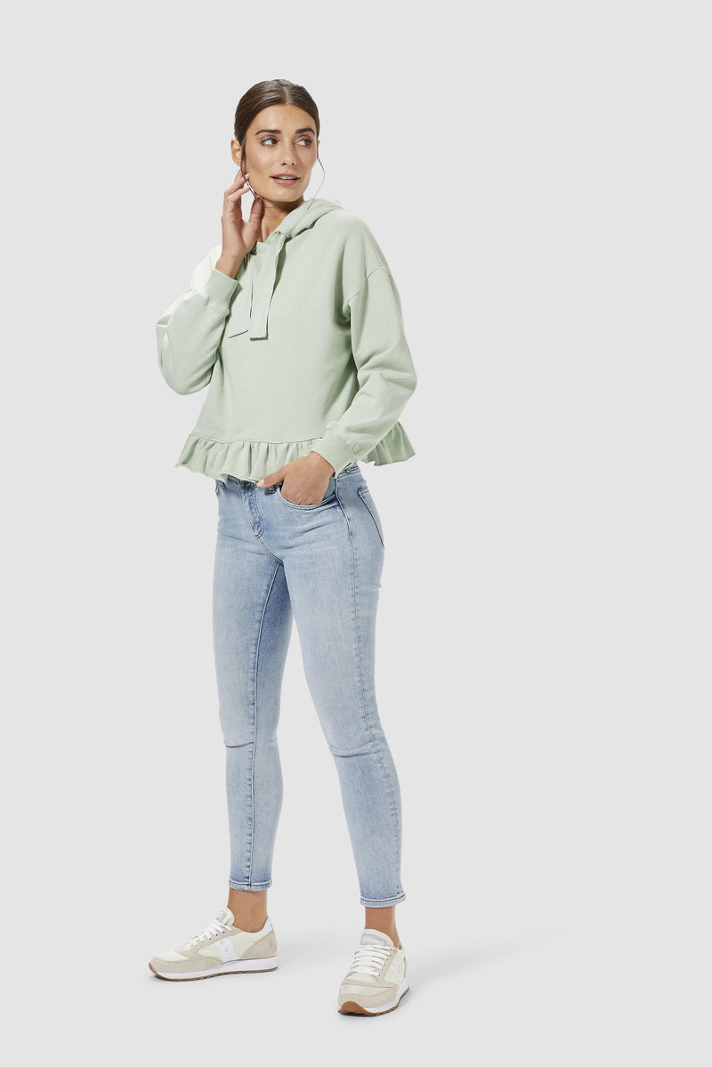 Rich & Royal - Midi jeans in sky blue denim  - model image front