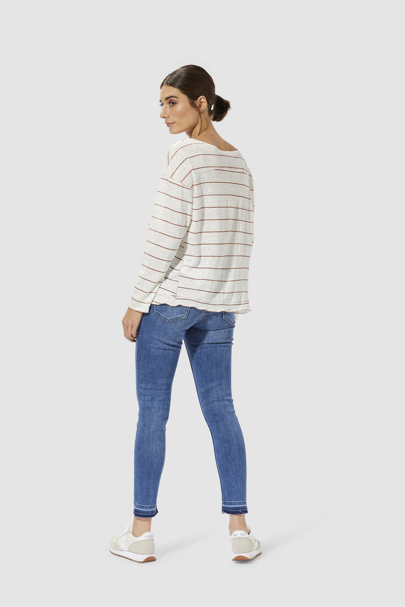 Rich & Royal - Long-sleeved linen top with lurex - model image back