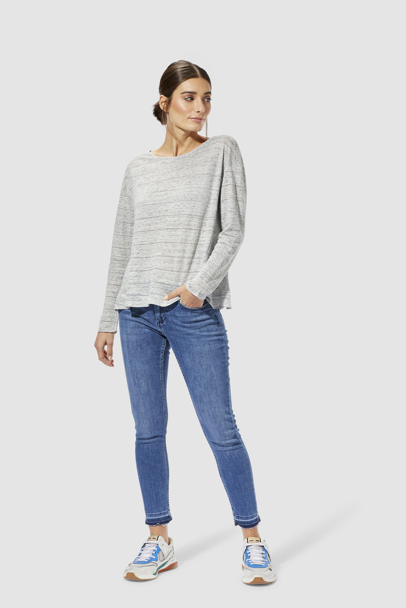 Rich & Royal - Long-sleeved linen top with lurex - model image front