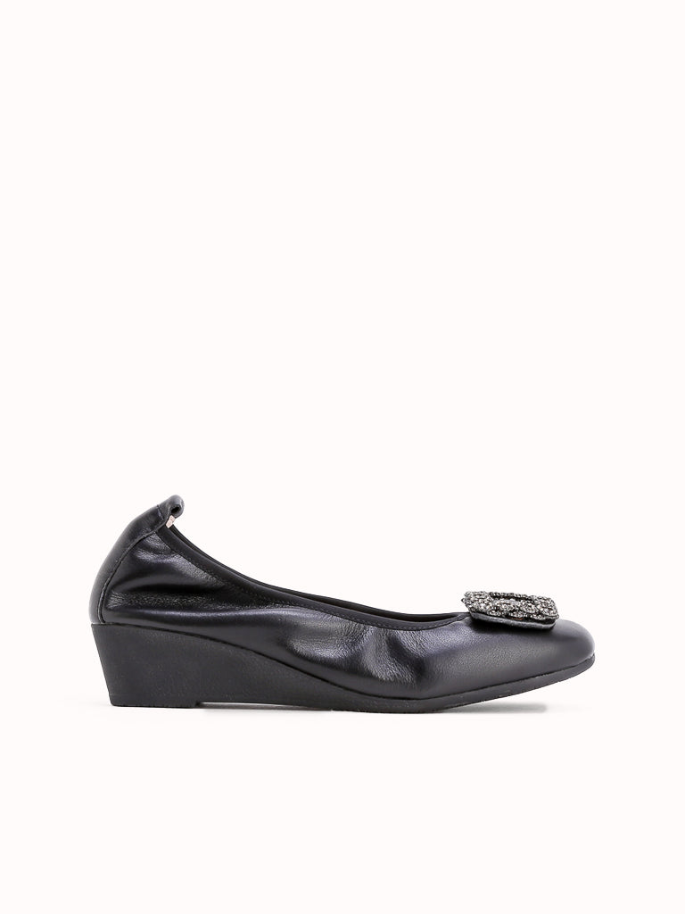 S-181582 Wedge Pumps