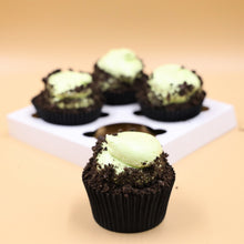 Load image into Gallery viewer, Choc Minty Cupcakes
