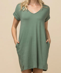 V-Neck T-Shirt Dress with Pockets (Plus Size)