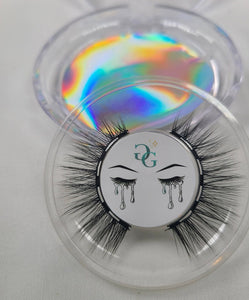 Magnetic Lashes: Strut