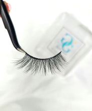 Load image into Gallery viewer, 5D Lash Set: Trendy