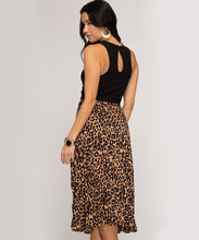 Load image into Gallery viewer, Leopard Print Pleated Midi Skirt