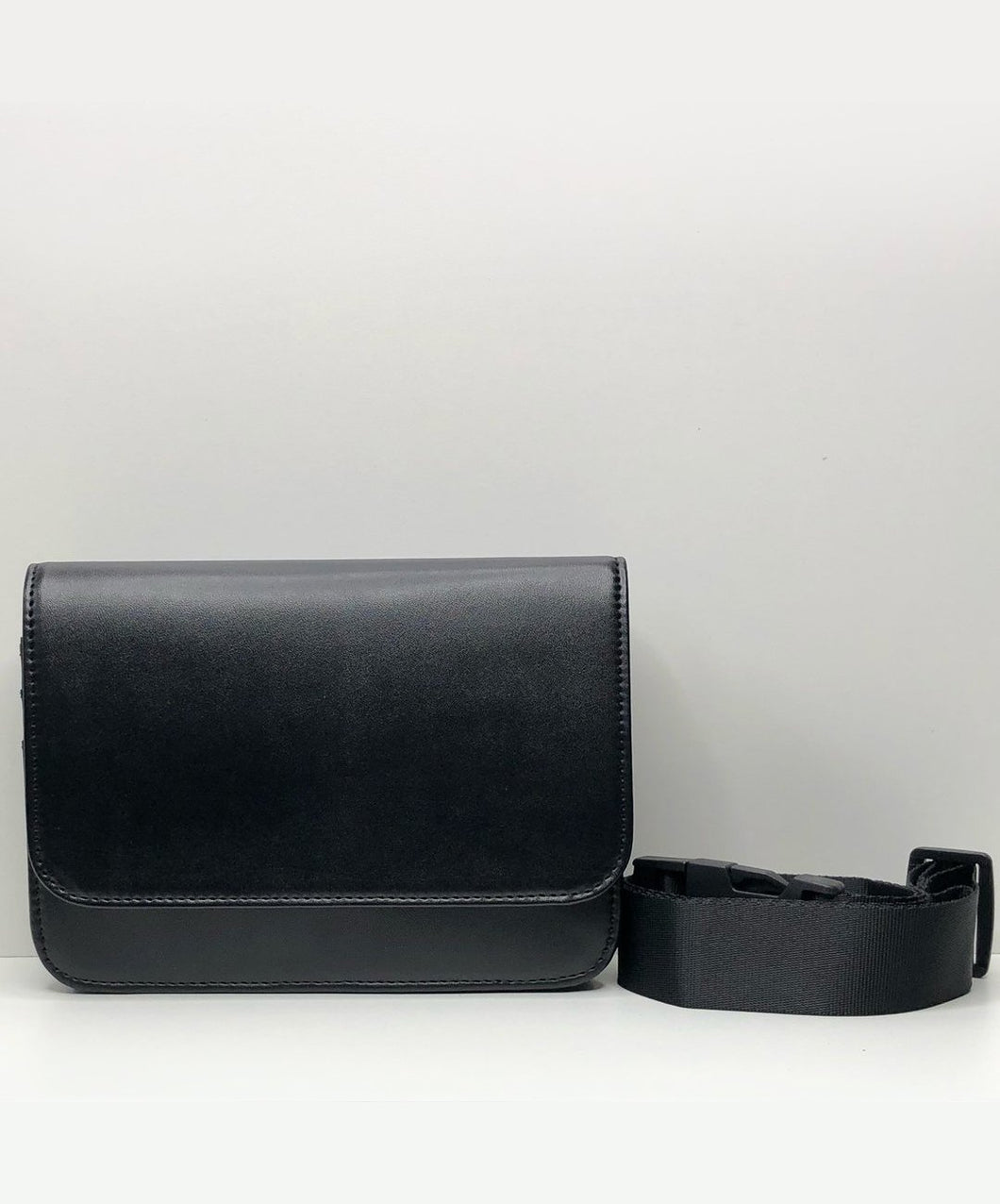 Jules Guam Flap Waist Bag