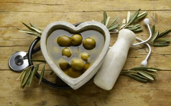 Why is extra virgin olive oil the best ally of our health?