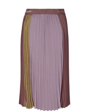 Load image into Gallery viewer, Plissé Sport Skirt - Wild Plum