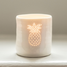 Load image into Gallery viewer, Porcelain Pineapple mini tealight holder