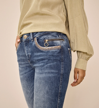 Load image into Gallery viewer, Sumner Shine Studded Jeans