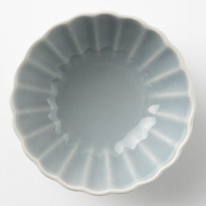 Hasami ware Wayama kiln with chrysanthemum type small (gray)