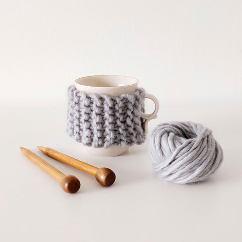 Shop the cup cosy mini knitting kit for beginners at Stitch & Story