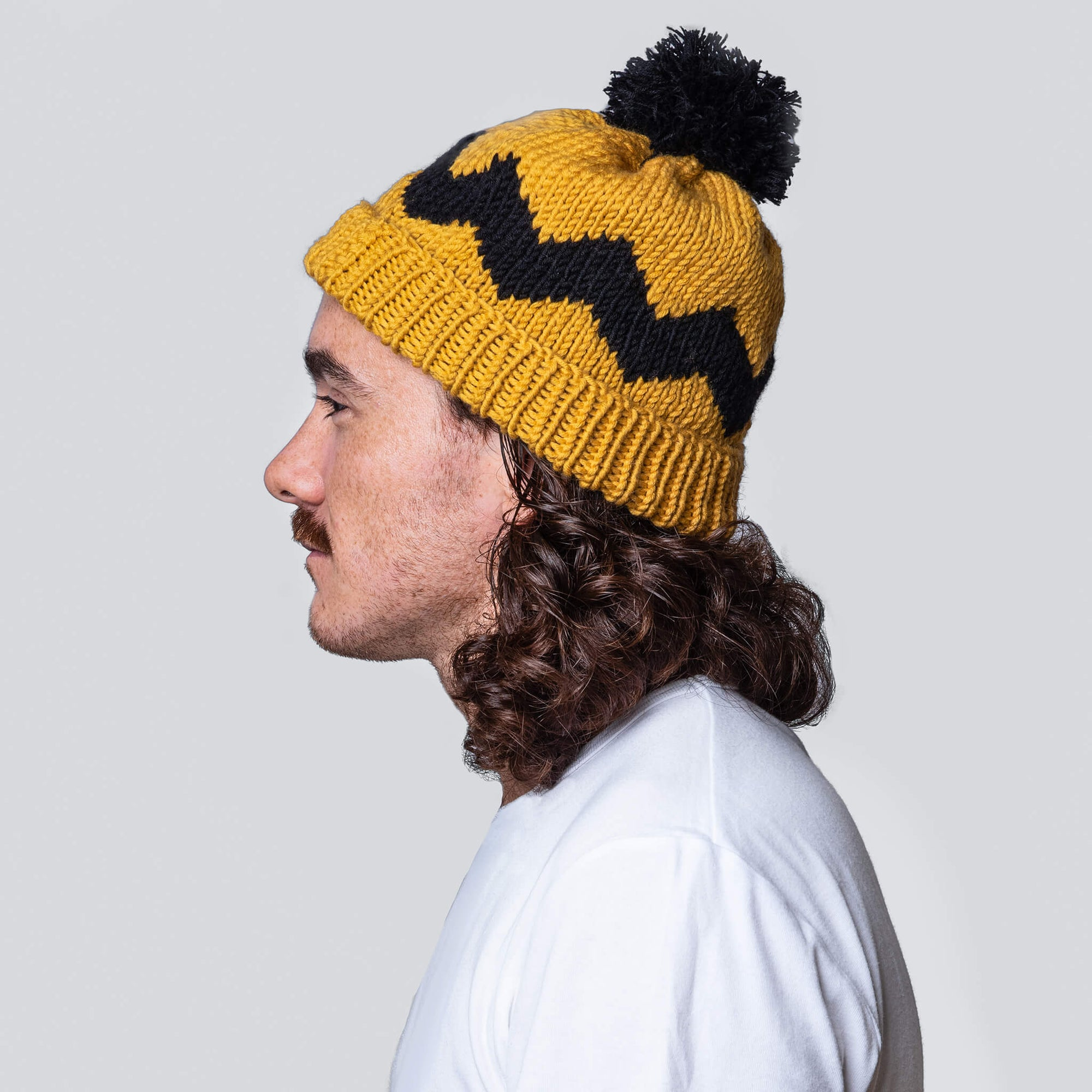Peanuts: Charlie Brown Hat Knitting Kit