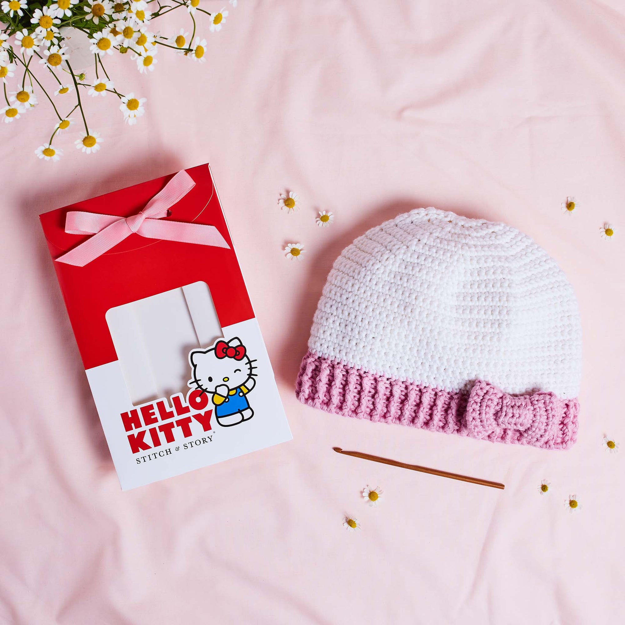 Hello Kitty: Hello Kitty Crochet Hat