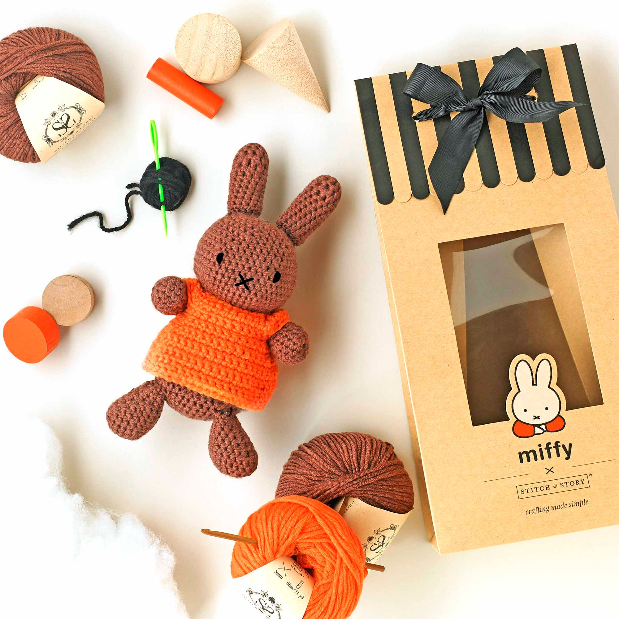 Miffy Friends: Melanie Amigurumi Crochet Kit
