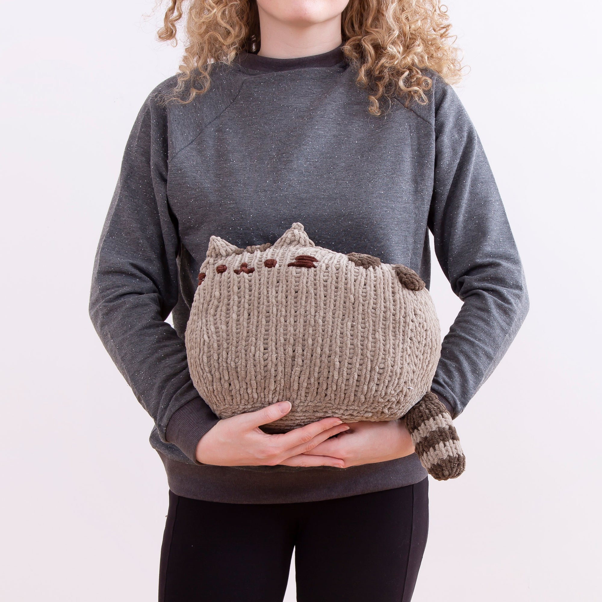 Pusheen: Sitting Pusheen Knitting Kit