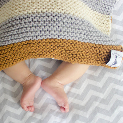 Sophie la girafe: Sleepy Baby Blanket Knitting Kit