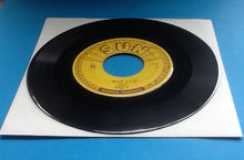 "Load image into Gallery viewer, Rufus Thomas Jr. Bear Cat Original 7"" 45 Sun Label 1953"
