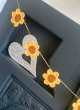 Load image into Gallery viewer, Cotton Sunflower Garland