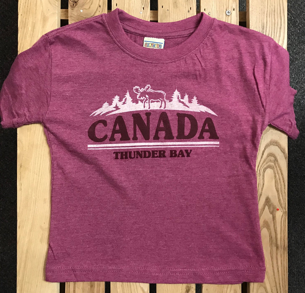 Kid's T-shirt - Thunder Bay, Canada with moose - Purple