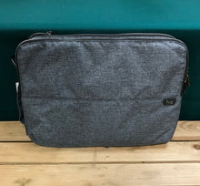"Load image into Gallery viewer, Lug Bag - Delta 15"" Laptop Case - HR Grey"