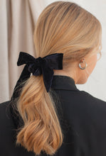 Load image into Gallery viewer, black velvet headband
