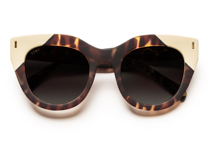 TIWI ROSETA RUBBER BROWN TORTOISE/CREAM WITH CLASSIC BLACK LENSES